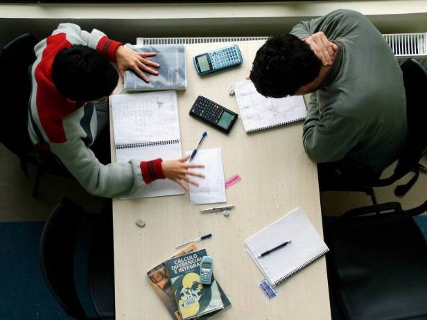 student-1528001-1280x960